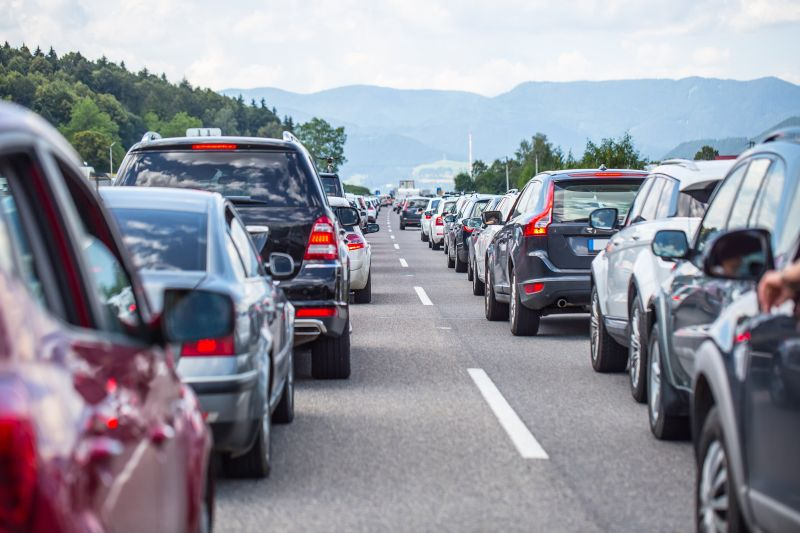 Dopravná zápcha na diaľnici